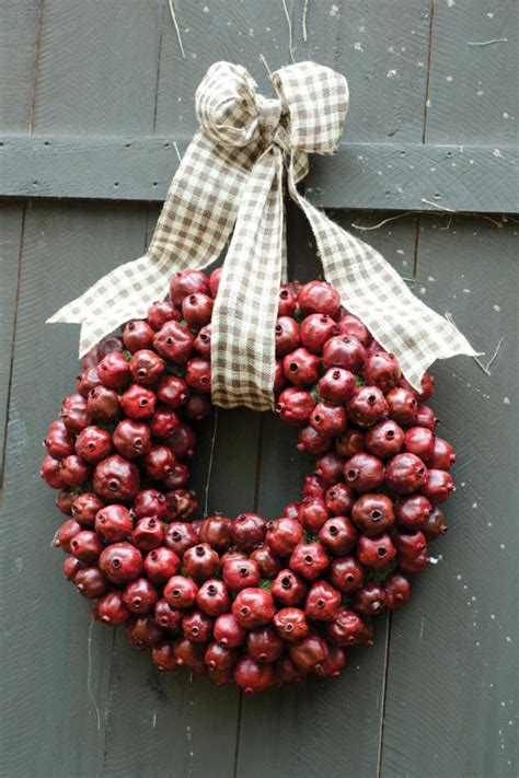 10 diy christmas wreaths hgtv wreath ideas hgtv