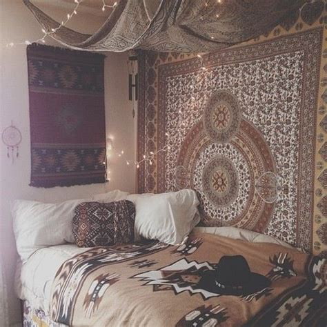 12 ways to decorate your dorm room fairy lights