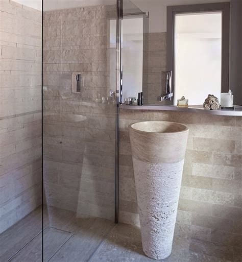pietra arredo mosaico a spacco rustico e moderno mosaici bagno by