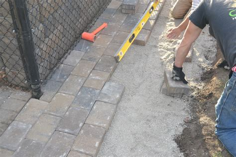 How To Lay A Paver Patio Diy How To Lay A Level Brick Installing Paver Patio