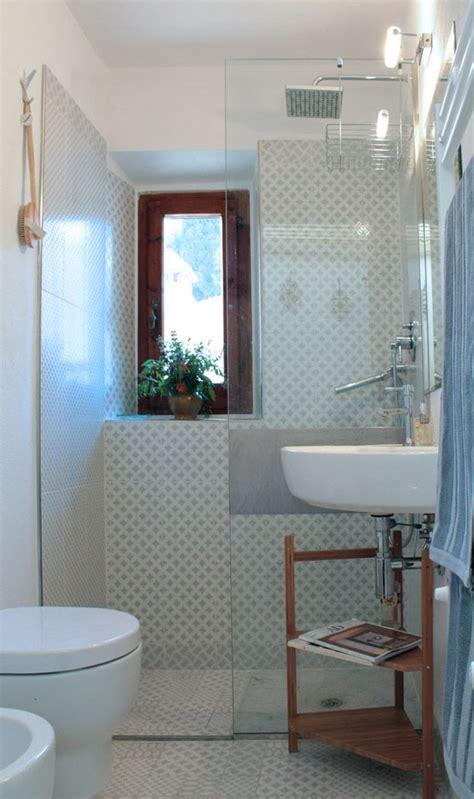 bagno piccolissimo consigli oltre 25 fantastiche idee su bagno stretto su