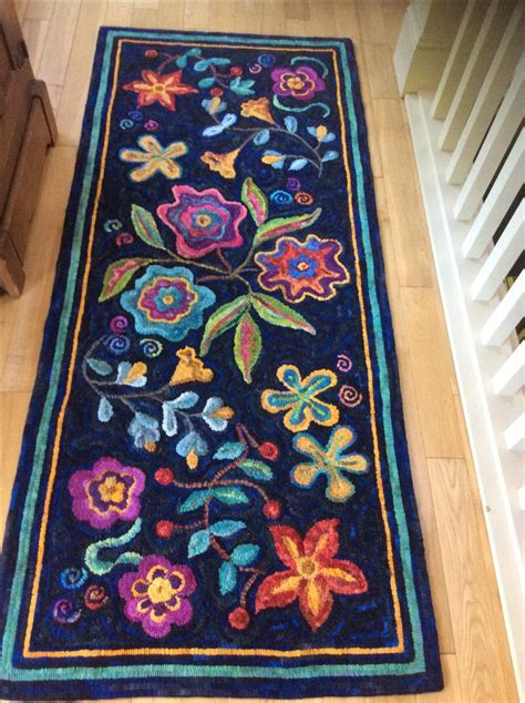 traditional rug hooking patterns best 2730 traditional rug hooking images on diy and crafts