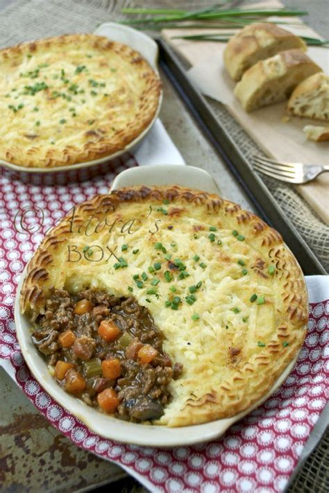 Traditional Cottage Pie Recipe Oliver by Cottage Pie Cottages And Cottages On