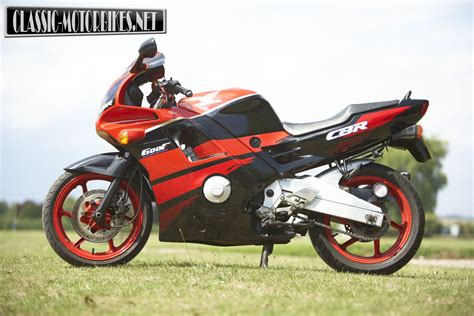 cbr 600 f honda cbr600f road test classic motorbikes