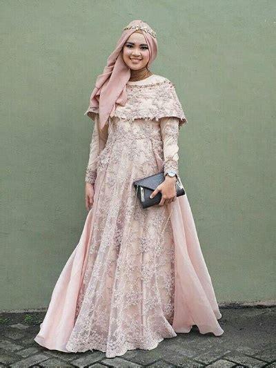 Gaun Kebaya Panjang Ekor 3meter Gaun Mewah kumpulan model kebaya muslim modern paling mempesona