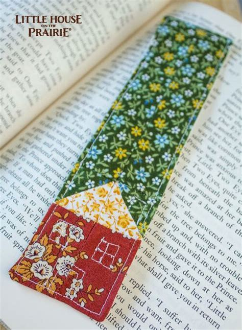 Handmade Fabric Bookmarks - these handmade fabric bookmarks would make the