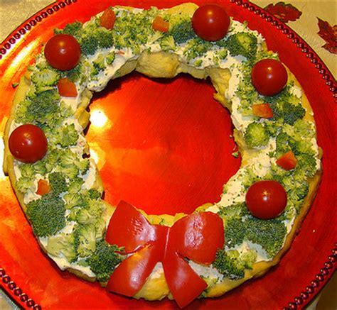 christmas wreath appetizers honey butter crescent roll wreath appetizer