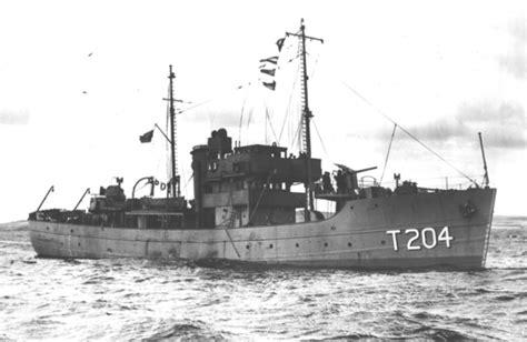 boat transport lowestoft crewlist from hms orfasy t 204 british m s trawler