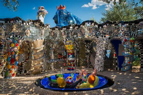giardino dei tarocchi niki de phalle i giganti nascosti tesori nei parchi italiani quintopiano