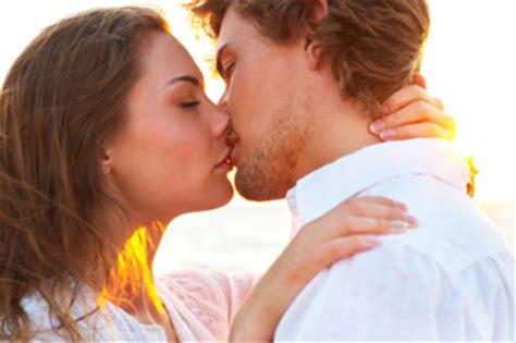Comment Essayer Dembrasser by Comment Bien Embrasser Signesetsens