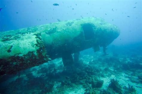 dive aruba scuba diving in aruba exploring wrecks with jads scuba