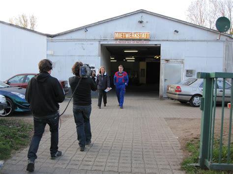 Autowerkstatt Portal by Die Presse Und Tv Dreharbeiten In Der Hk Autowerkstatt