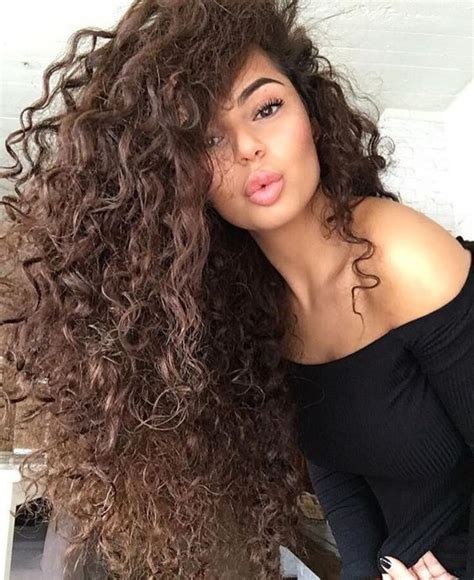 big curly hair styles for spanish women fit in hub routine della notte per capelli lunghi e ricci