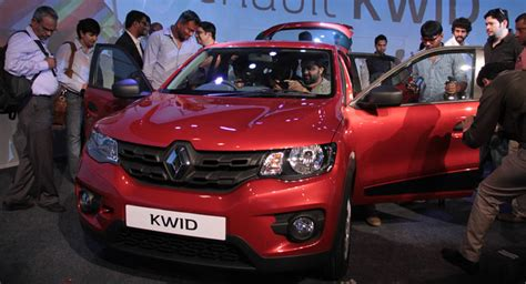 renault kwid jacked up city car unveiled in india priced carscoops renault kwid