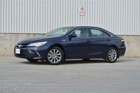 Toyota Reviews 2015 2015 Toyota Camry Hybrid Review Autoguide News