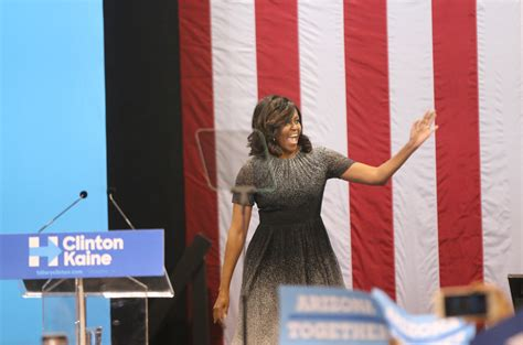 michelle obama phoenix michelle obama caigns in phoenix in push to turn az blue
