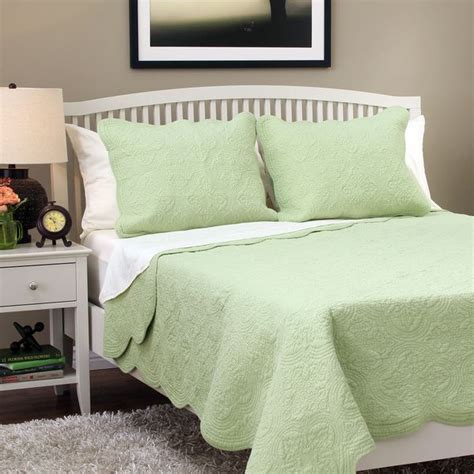scalloped bedding 87 best images about bedding on pinterest twin quilt guest rooms and bed linens