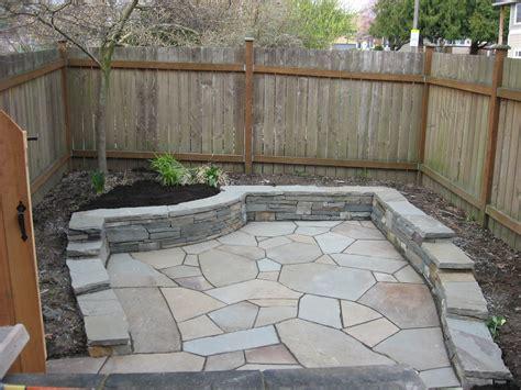 Retaining Wall Patio Design Flagstone Patio With Retaining Wall Yard Flagstone Patio Flagstone And Patios