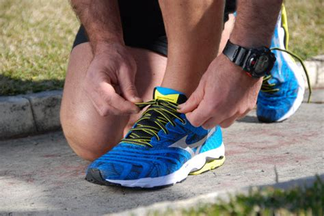 how to tie athletic shoes tips for lightening your run by mizuno the athlete s