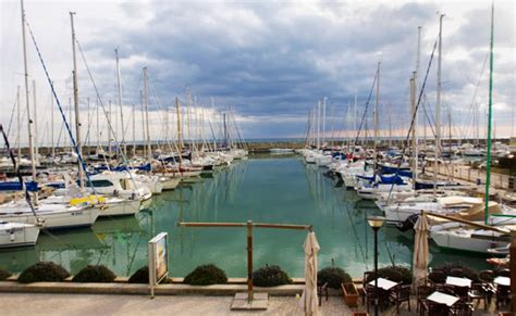 porto turistico roma porto turistico roma al sequestro il popolano
