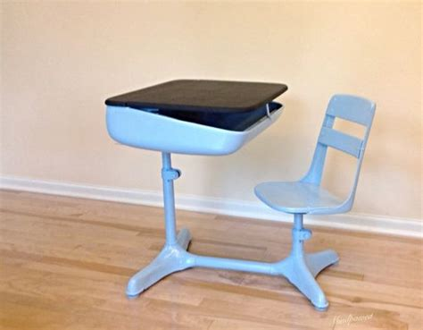 School Desk And Chair Combo With Chalkboard Top 1940 S Fashioned Student Desk