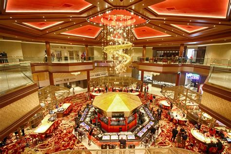 oriental themed hotel vegas lucky dragon casino opens in las vegas absolutely crushes it