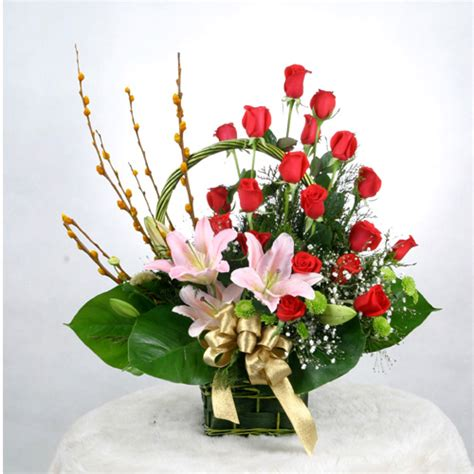 floral arrangement romantic decoration