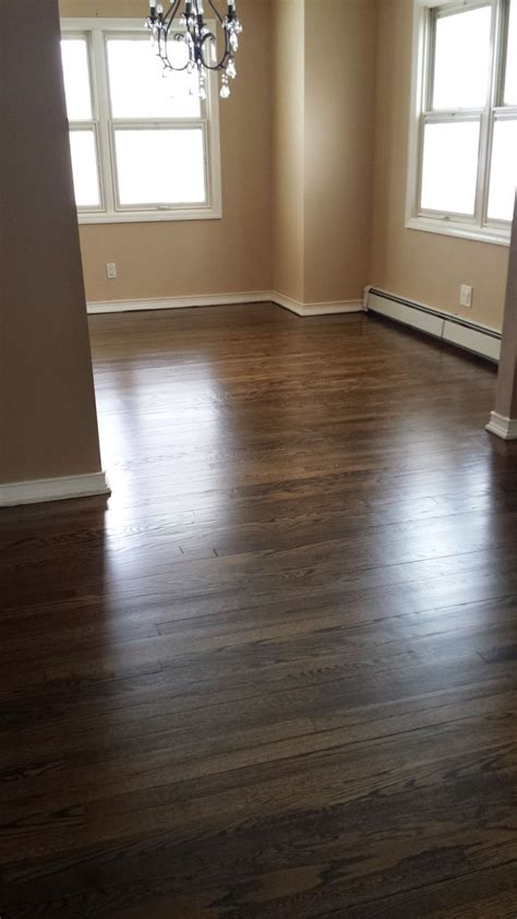 What Of Paint Finish For Living Room by 1000 Ideas About Minwax On Oak Minwax