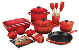 le creuset signature cast iron cookware set 24 piece