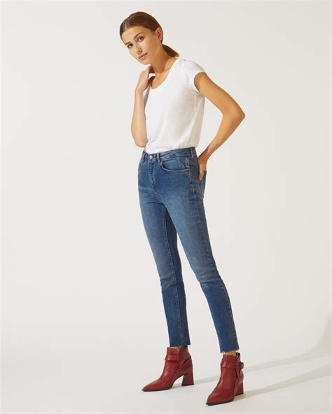 cropped richmond fray hem jigsaw