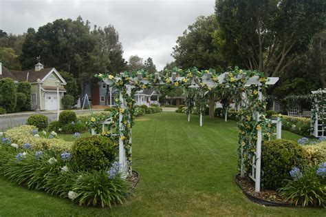 Decorating A Colonial Home desperate housewives wisteria lane