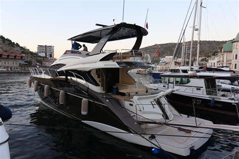ft marquis executive yacht canada