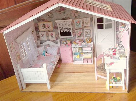 Handmade Dollhouse - my handmade dollhouse diorama flickr photo