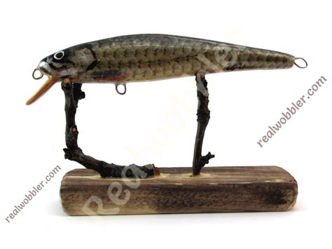 Handmade Bass Lures - handcrafted wooden fishing lures for the fishing of sea