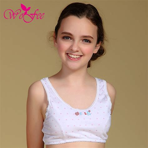 budding teen girl no bra young girl underwear images usseekcom naked college girls