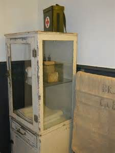 Antique Looking Medicine Cabinets 15 Best Images About Vintage Powder Rooms And Medicine