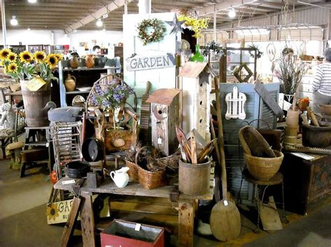 primitive booth   Vintage Market/Display/Shop Ideas   Pinterest   Primitives