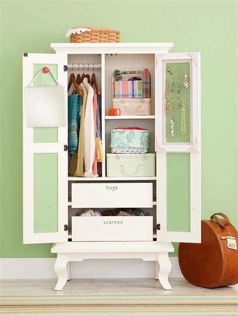 Declutter Wardrobe by Declutter The Closet Pictures Photos And Images For