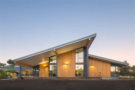 architects bend oregon cascades academy is an all geothermal school in