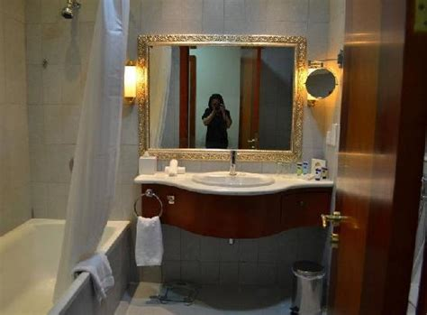 dubai bathrooms bathroom picture of grand excelsior hotel al barsha