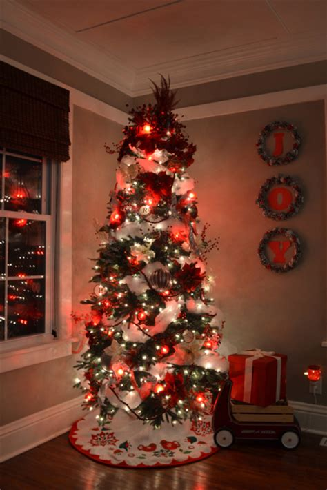 Modern Living Room Ideas 2013 multiple personality christmas trees newlywoodwards
