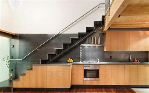 aprovechar espacio cocina aprovechando el espacio bajo la escalera ii cocinas