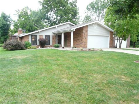 just listed 51 bud glen carbon il 179 900