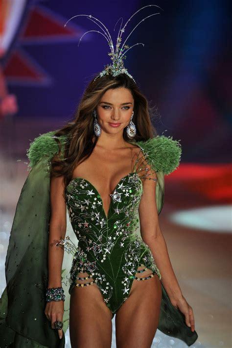 s runway secret miranda kerr in s secret 2012 fashion show runway