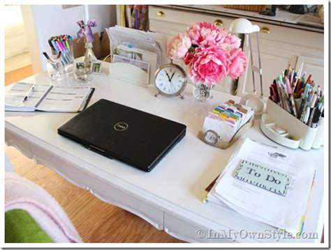 Pretty Desk by Found Desk Gets A High Gloss Makeover In Own Style