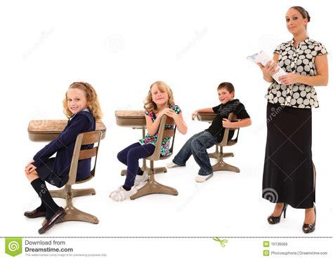 imagenes libres estudiantes estudiantes y profesor de la sala de clase im 225 genes de