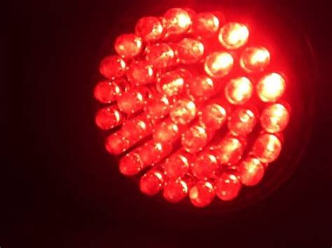 red light therapy bulbs what is the difference between visible red light therapy