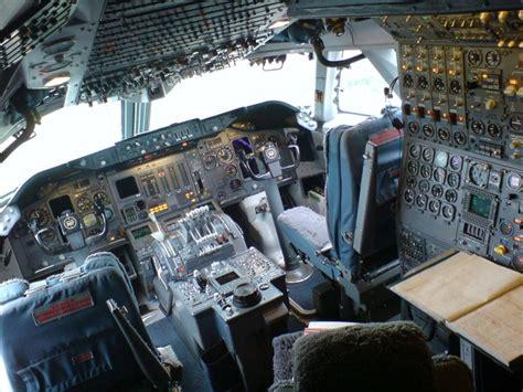 boeing 747 flight deck boeing 747 300 flight deck oldie airplanes