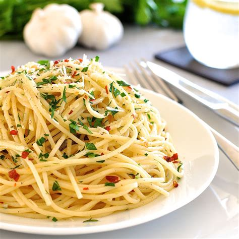 8 simple classic italian pastas recipetin eats