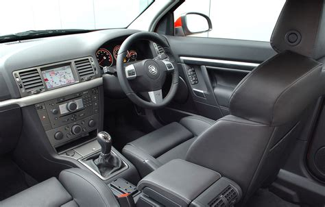 opel signum interior vauxhall vectra vxr review 2005 2008 parkers